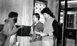 Bob Lambert distributes anti McDonald's leaflets, 1986